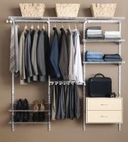 Neat closet (Flickr)