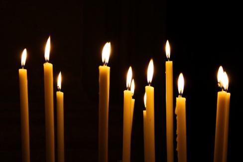 Tall slim candles (Pixabay)